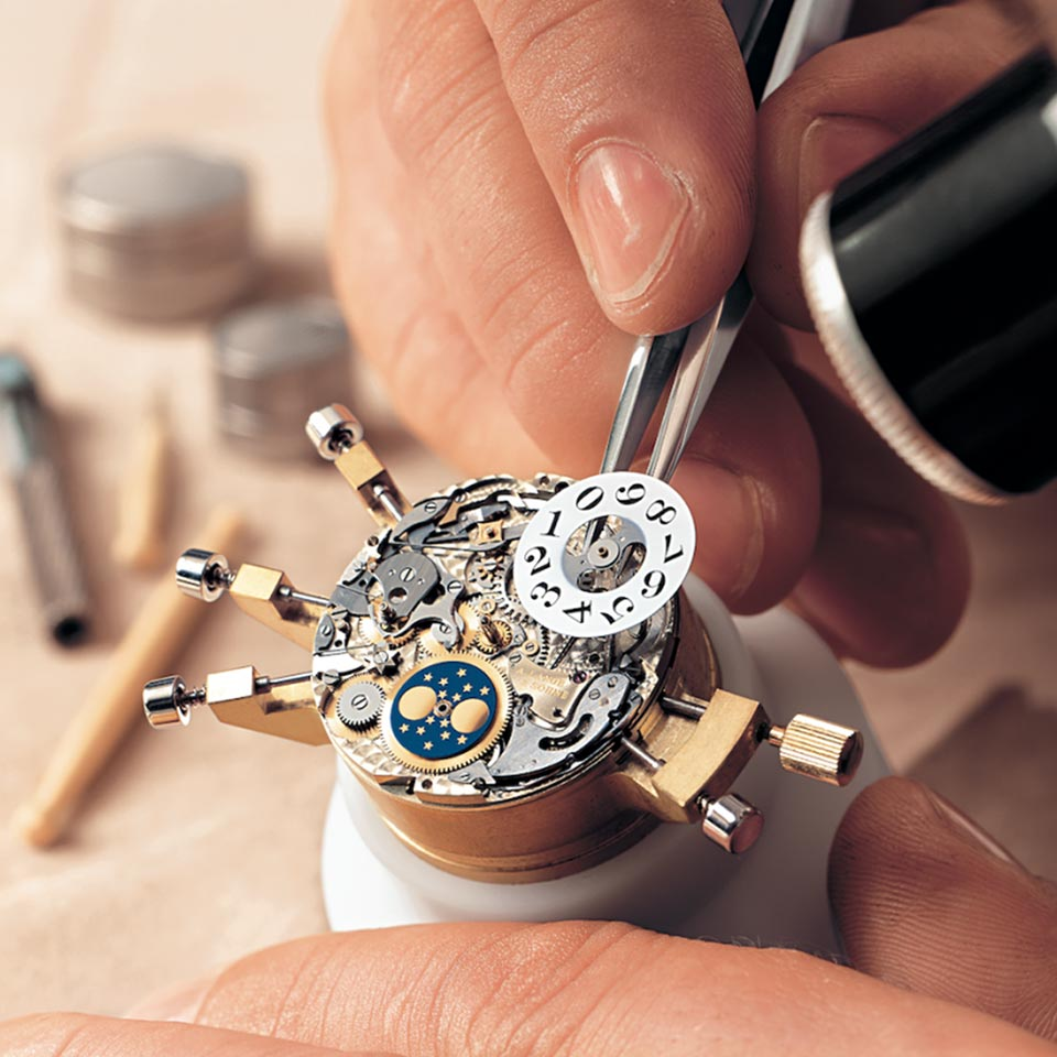 Laboratorio orologeria - Riparazione orologi